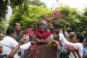 A floral tribute to Saint Teresa of Calcutta on the 109th anniversary of her birth. Ahmadabad, India