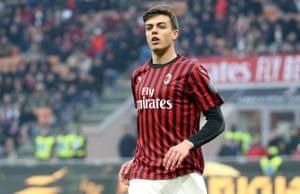 Daniel Maldini making his brief debut.