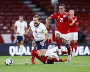 Kane, tackled by Braithwaite.