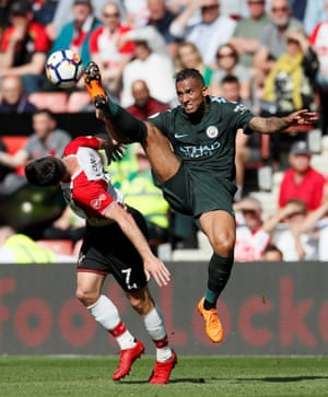 Manchester City's Danilo challenges Southampton's Shane Long as City win 1-0 at St Mary's.