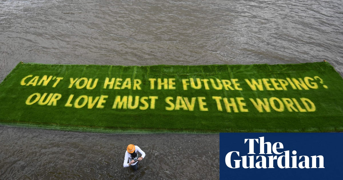 12 arrested in raids on Extinction Rebellion sites in London