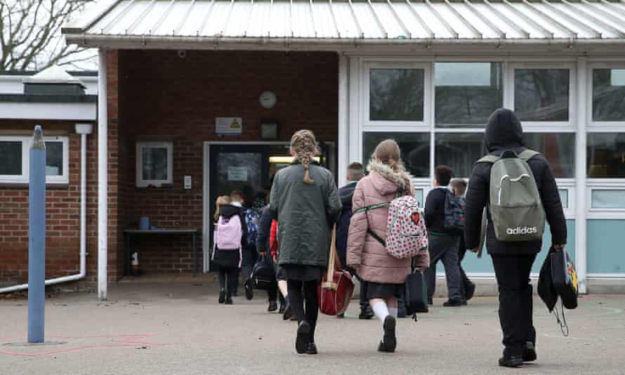 Children arriving at a school.
