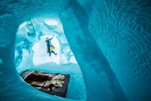 Icehotel December 2015: Deluxe suite design by Marjolein Vonk (NE) and Maurizio Perron (IT)