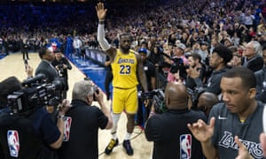 LeBron James acknowledges the crowd in Philadelphia after passing Kobe Bryant's mark