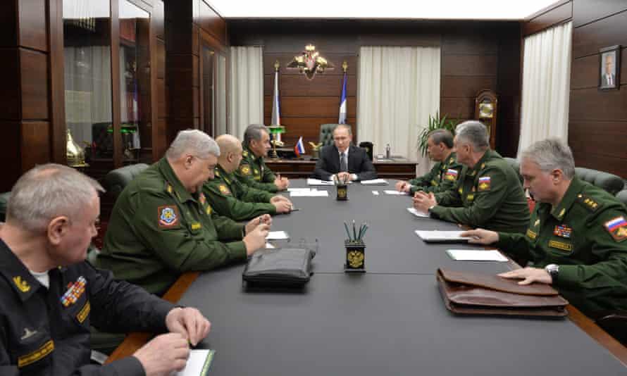 Vladimir Putin in a meeting with senior commanders