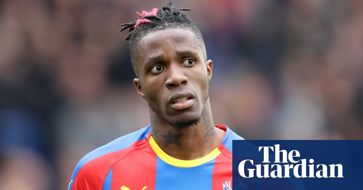 Wilfried Zaha requests transfer after Crystal Palace reject Everton bid