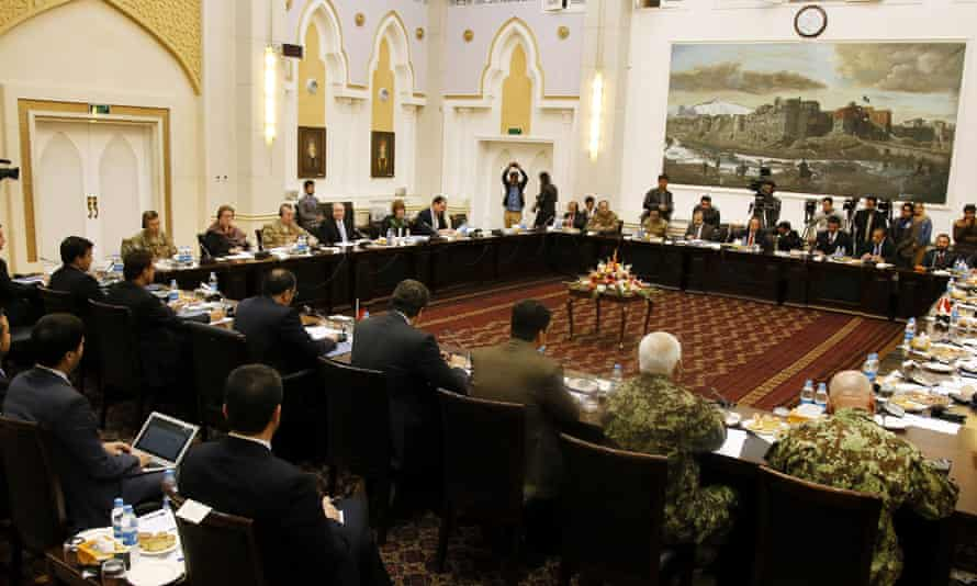 Representatives discuss how to resume broken peace talks