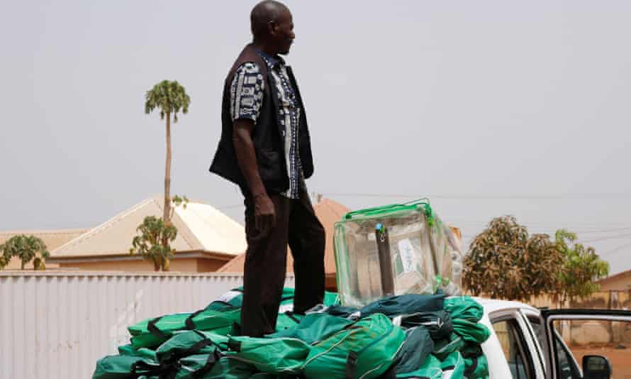 An electoral officer in Abuja