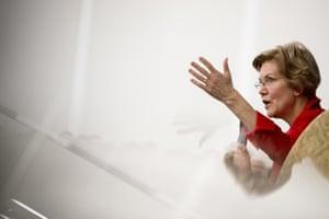 Elizabeth Warren had a quick riposte to a tweet questioning her likability.
