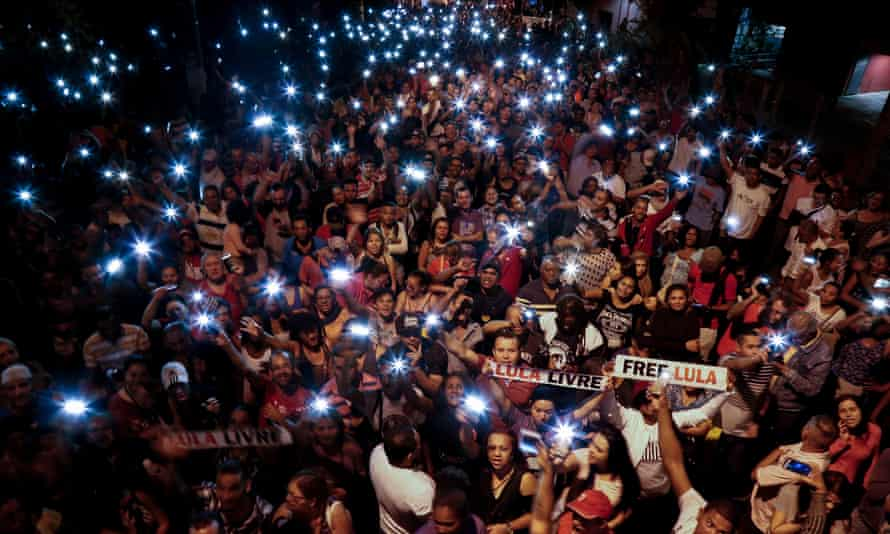 Lula supporters demonstrate demanding his release in São Paulo, Brazil on Sunday.