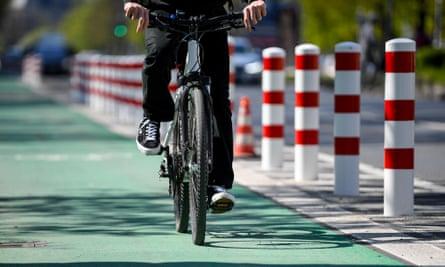 A cycle lane along the Hasenheide.