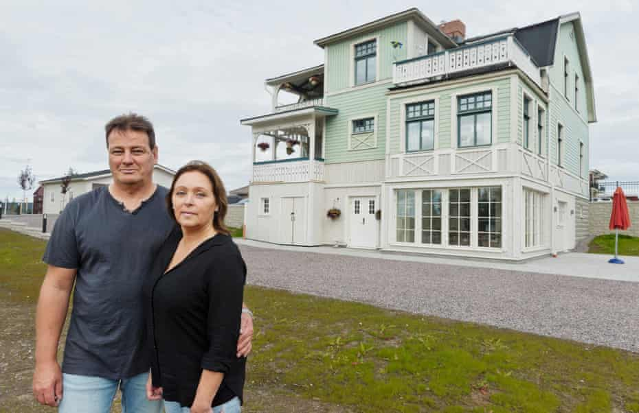 Margot Isaksson and husband Mikael in Gällivare, their home's new home.