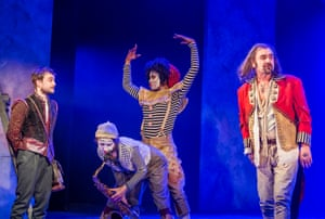 Joshua McGuire (Guildenstern) and Daniel Radcliffe (Rosencrantz) in Rosencrantz And Guildenstern Are Dead by Tom Stoppard