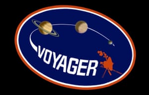 In 1973, the mission had been named Mariner Jupiter-Saturn 1977 and was intended to go only as far as Jupiter and Saturn, as seen in the old mission logo
