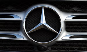 Mercedes-Benz recalls 400,000 cars in UK over airbag fault