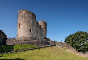 Dudley Zoo, Castle Hill, Dudley, West Midlands. Today the standing remains of the castle have significant issues, including specific areas of structural failure, loss of masonry and invasive vegetation