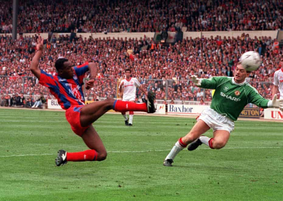 Ian Wright scoring for Crystal Palace in the 1990 FA Cup final.