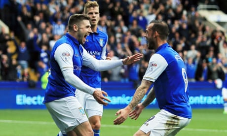Gary Hooper at the double as Sheffield Wednesday brush aside Leeds