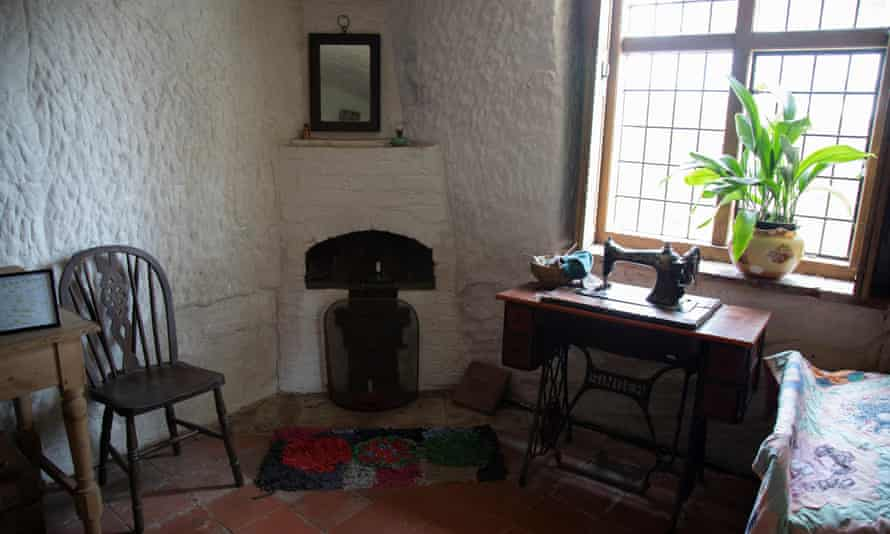 The Martindale Rock House interior