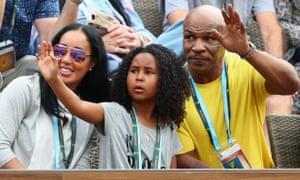 Mike Tyson和家人分享了聚光灯。
