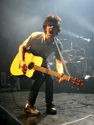 Jamie T on stage in 2007.