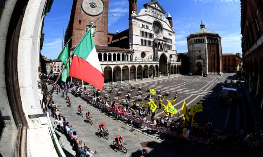 Cyclists in Cremona, Italy, during the Giro d'Italia