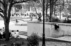Wide view of LOVE Park, Ricky Geiger nose wallie