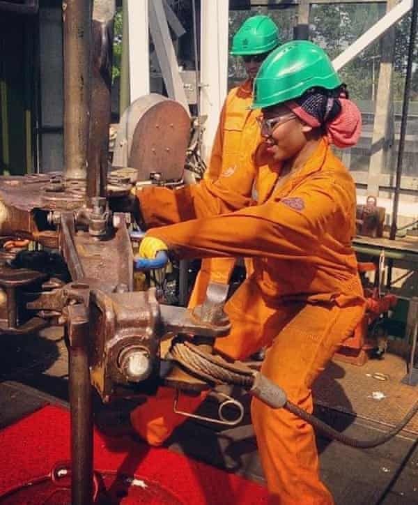 I Work On An Oil Rig With 150 Men You Wouldn T Believe The Stories Women The Guardian