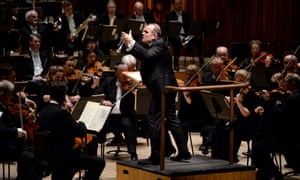 Francois-Xavier Roth conducts the London Symphony Orchestra.