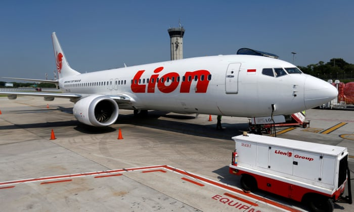 Lion Air pilots were looking at handbook when plane crashed