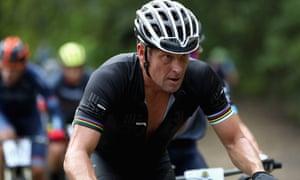 Mfoni mbuayɛ ɛma Lance Armstrong