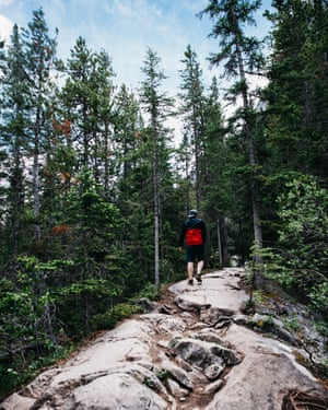Hiking to the Grassi Lakes.