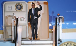 Barack Obama waves from Air Force One