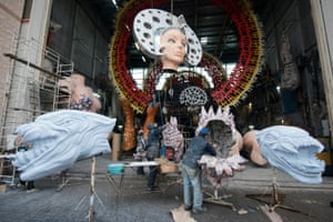 Preparing the float entitled The Seed of Beauty by Fabrizio Galli
