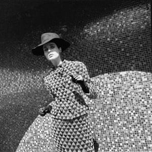 French Elle, 2 September 1965 'Les Manteaux arts modernes' Coat by Pierre Cardin