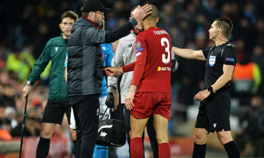Jurgen Klopp shows his concern as Fabinho leaves the field with an ankle injury