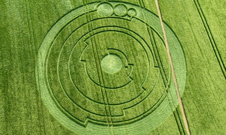The crop circle at Barbury Castle, Wiltshire, on 1 June 2008.