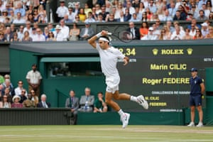 A majestic Roger Federer fires a return back to Marin Cilic.