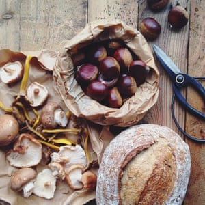 Chestnuts, mushrooms and bread