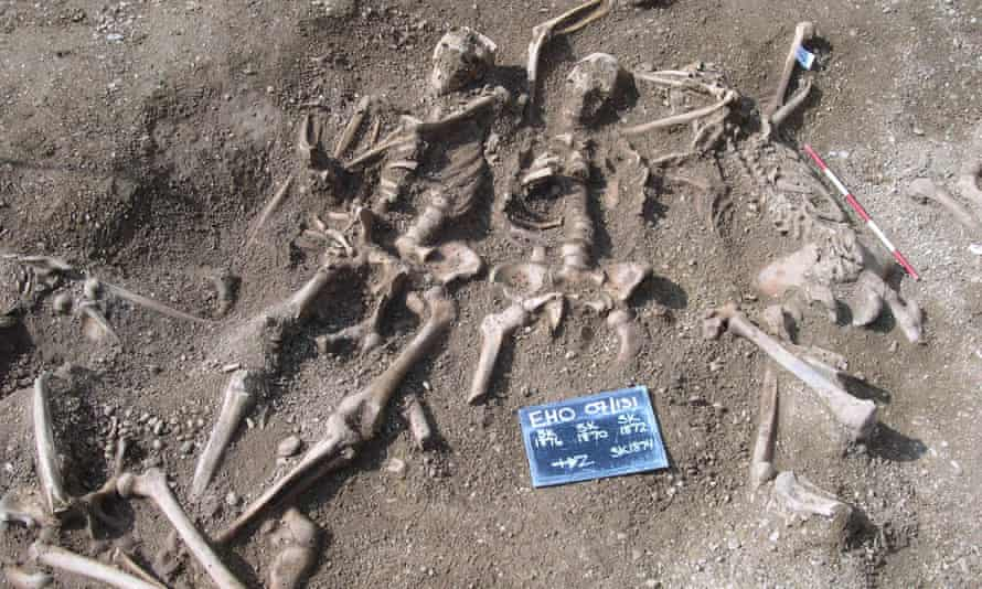 Massacred 10th century Vikings found in a mass grave at St John's College, Oxford.