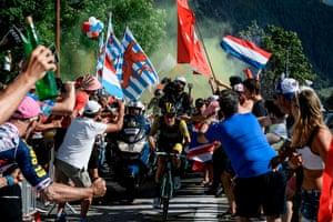 Netherlands' Steven Kruijswijk rides through spectators at Dutch Corner in the ascent to l'Alpe d'Huez