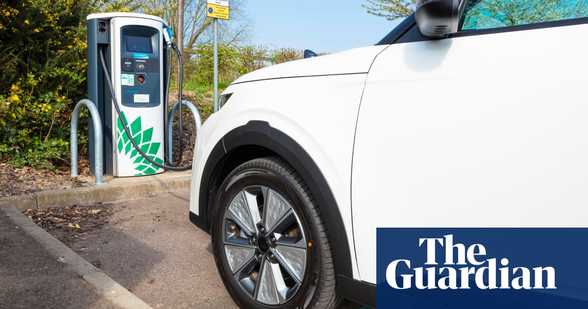 UK in talks to build battery 'gigafactories' for electric cars