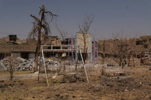 A high proportion of homes across the Sinjar district have been affected, with many completely destroyed.