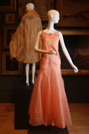 Evening dress (1931) by ChanelSpring–summer silk (organdie)