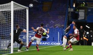 Olivier Giroud of Chelsea hits the bar.