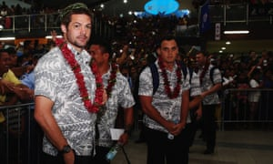 Richie McCaw is given a royal welcome at Faleolo Airport on 6 July.