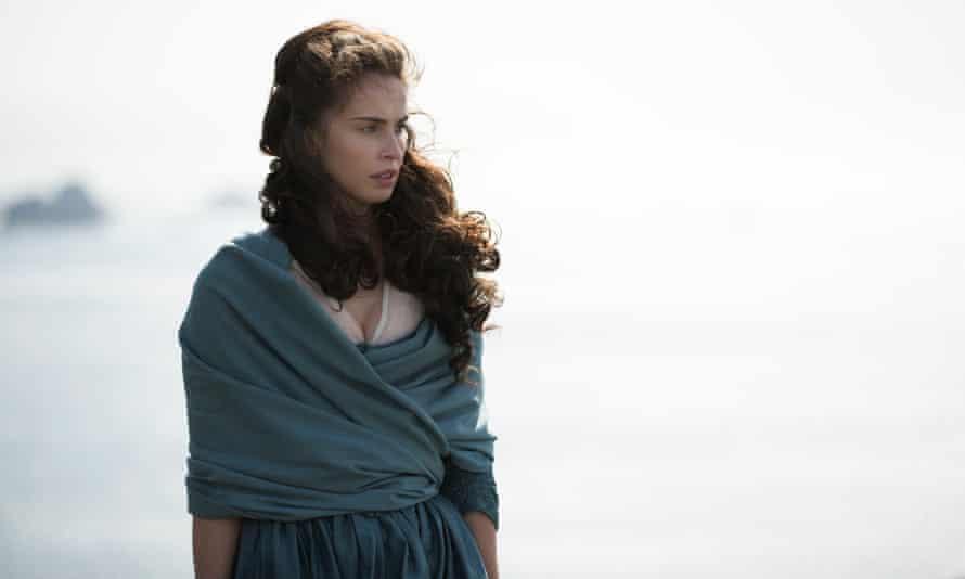 Heida Reed playing Elizabeth Poldark