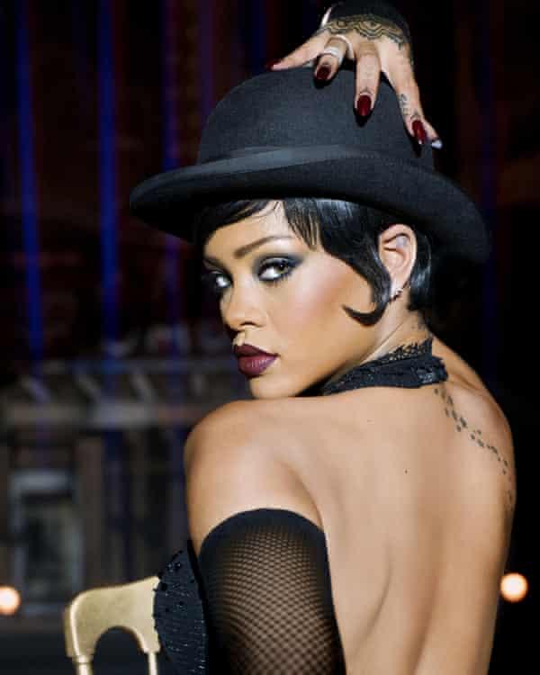 Evoking Liza Minnelli's Sally Bowles … Rihanna.