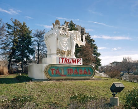 Immovable … sculptor Michael MacLeod says he wasn't paid for this Trump elephant.