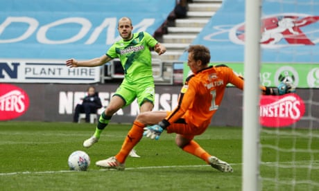 Teemu Pukki's late strike salvages draw for leaders Norwich at Wigan